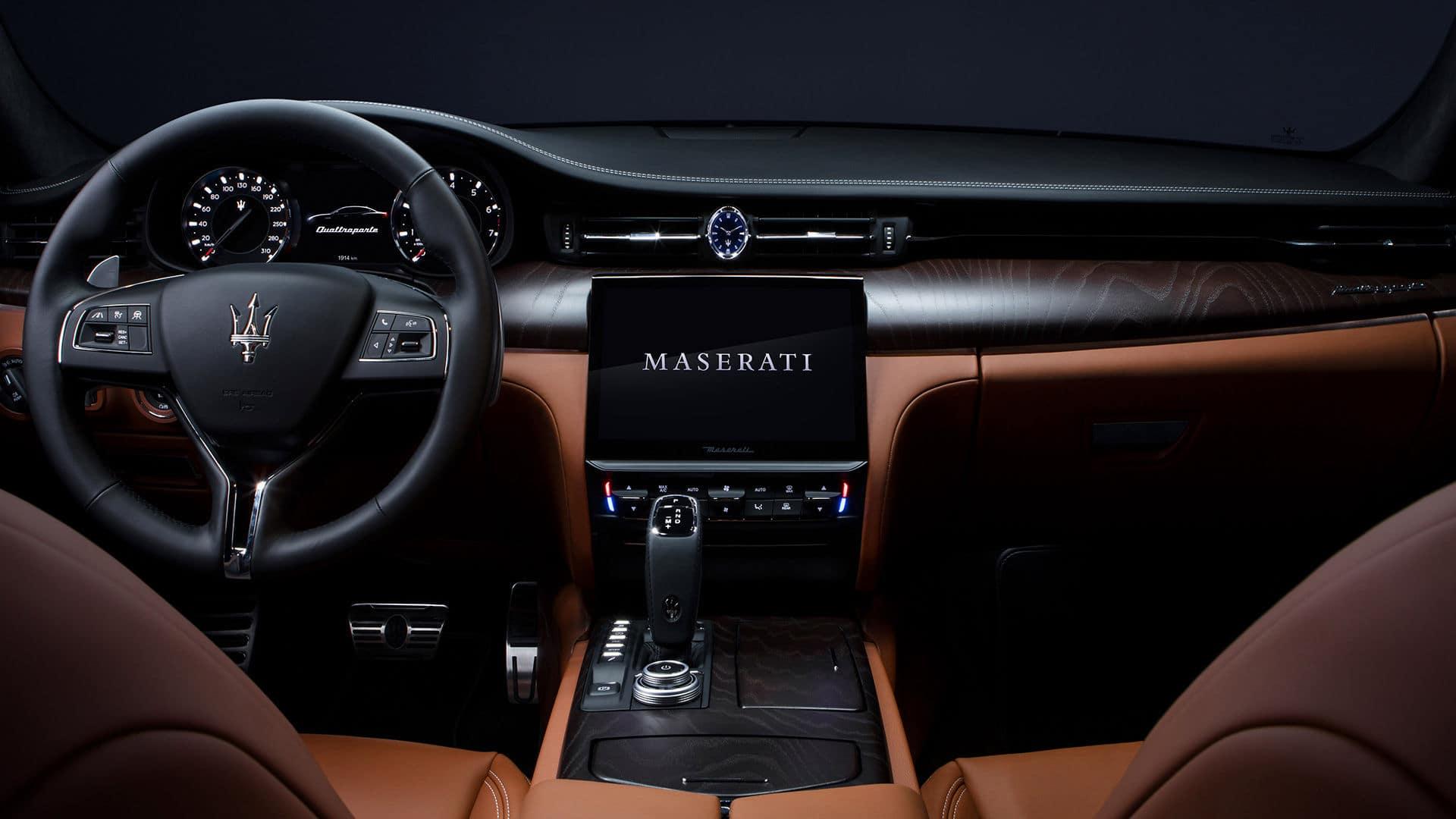 2021 Maserati Quattroporte Dashboard