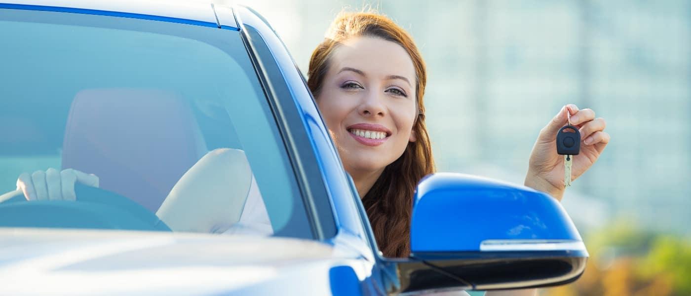 woman-inside-car