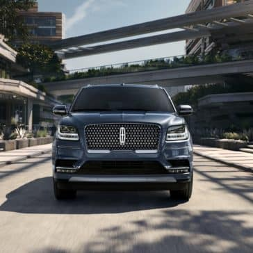 A view of the 2020 Lincoln Navigator in action.