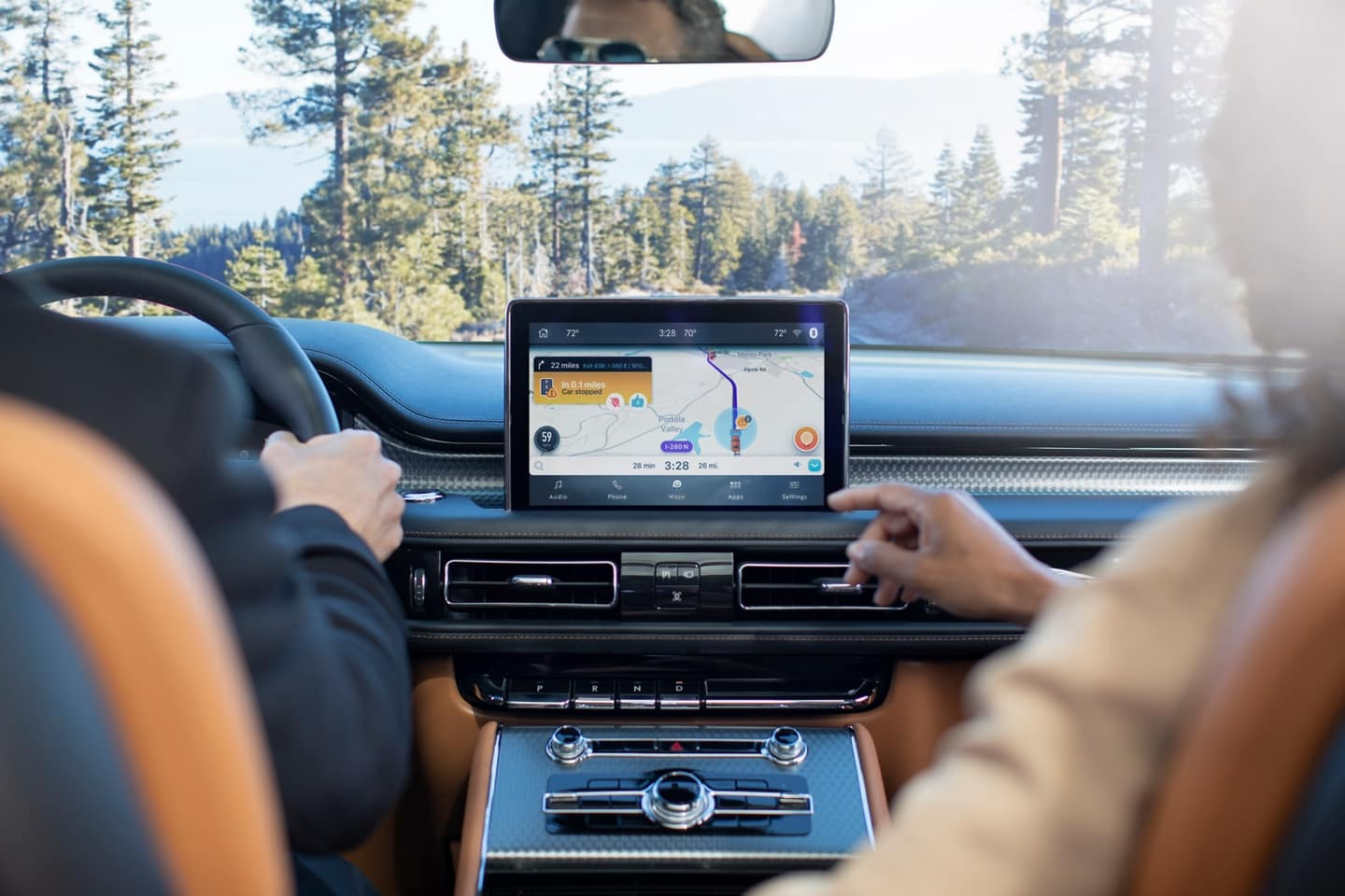 The Lincoln Aviator connects with apps like Waze