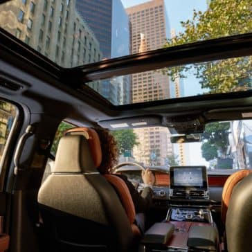 The sun shines in the 2020 Lincoln Navigator's Panorama Sunroof