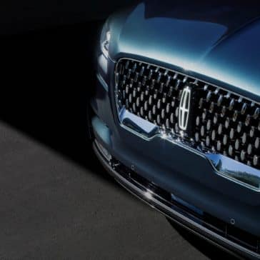 A view of the New 2020 Lincoln Aviator Grill
