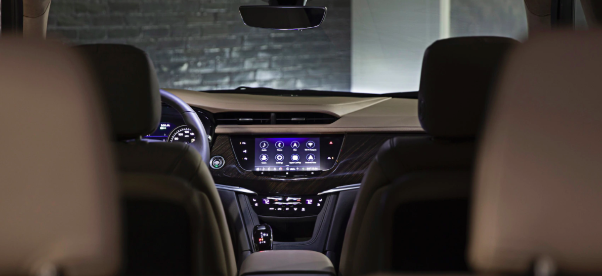 New Cadillac XT6 with the latest Dashboard technology