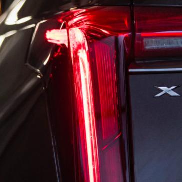 Rear headlights of the 2020 XT6