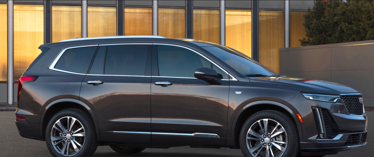 A side view picture of the 2020 Lincoln XT6.
