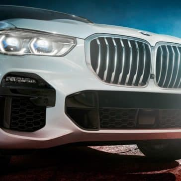 Picture of an angled view of the 2021 BMW X5 SUV