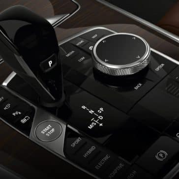 Pic of the middle front console of the New BMW X5 SUV