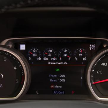 Speedometer view of the Silverado 2500 HD