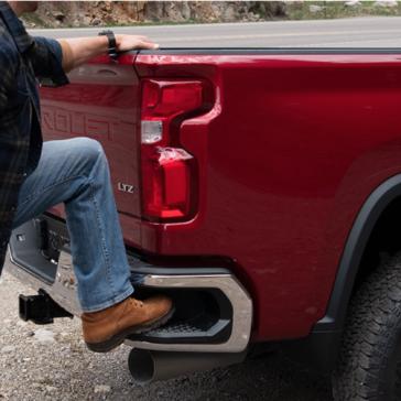 Convenient rear step on the New Chevrolet Silverado 2500HD