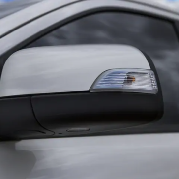 Side mirror and turn signal of the Ford Ranger